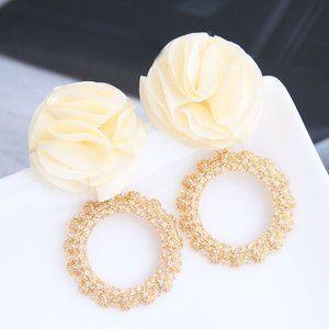 3/$20 Cream & Gold Flower Geometric Earrings